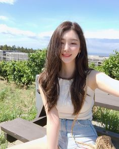 Long hair idea, slide into the shape of the face Beautiful hair. Looks volume. Looks - - Ulzzang Korean Girl, Cute Korean Girl, Uzzlang Girl, Ulzzang Fashion, Beautiful Asian Girls, Asian Beauty, Girl Fashion, Pretty People, Hairstyle