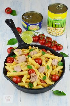 Paste cu ton si naut - CAIETUL CU RETETE Pasta Salad, Pizza, Ethnic Recipes, Food, Crab Pasta Salad, Essen, Meals, Yemek, Eten