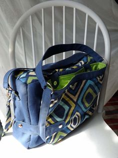 Hey, I found this really awesome Etsy listing at http://www.etsy.com/listing/108941168/piggybag-2-in-1-diaper-bag-and-purse