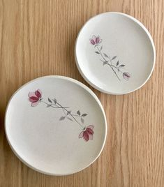 Franciscan Duet salad and bread plates sold individually Painted Ceramic Plates, Ceramic Painting, Ceramic Pottery, Franciscan Ware, Clay Crafts For Kids, Modern Dinnerware, Fruit Bowls, Glaze Paint, Pottery Designs