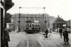 stadstram wacht v blauwpbrug1960 | Flickr - Photo Sharing!