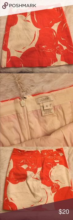 """J. Crew Orange and White Print Skirt Size 4. Excellent condition. 2 hidden pockets in back with zipper. FLAT LAY MEASUREMENTS: 14"""" waist. 16"""" length J. Crew Skirts"""