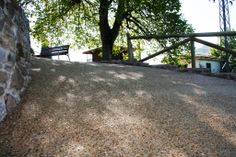Pavimento hormigón desactivado(árido visto) con ankare disab en camino rural