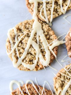 thin and chewy spiced oatmeal cookies I howsweeteats.com