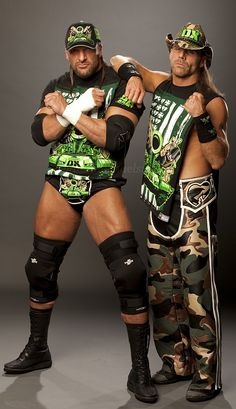 D-Generation X...el grupo formado por Triple H y Shawn Michaels...puro descaro y…