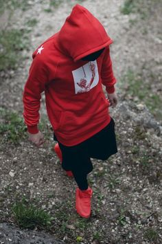 112 all time best urban wear summer shirts ideas – page 1 Photo Poses For Boy, Boy Poses, Hoodie Outfit, Red Hoodie, Mode Sombre, Photoshoot Pose Boy, Stylish Boys, Stylish Dpz, Photography Poses For Men