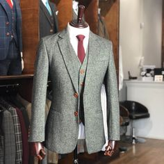 UK's largest collection of tweed suits. Our tweed suits are well tailored using the Traditional British Tweed fabric into a classy modern style. Grey Tweed Wedding Suit, Mens Summer Wedding Suits, Grey Tweed Suit, 3 Piece Tweed Suit, Mens Tweed Suit, Best Wedding Suits, Tweed Suits, Tweed Groom, Gray Groomsmen Suits