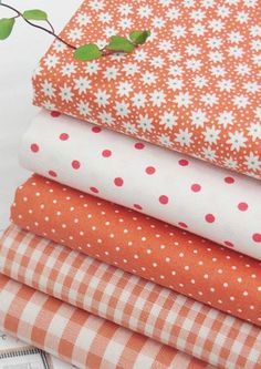 Mix ORANGE 100% Cotton Fabric / All sizes / Quilting fabric off cuts (ff023)
