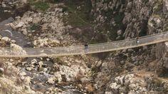 Il ponte sospeso sul torrente Gravina