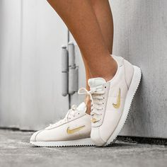 save off ad6ba 2f049 Nike Wmns Cortez Basic Jewel  18 (Phantom   Metallic Gold Star - Summit  White). asphaltgold