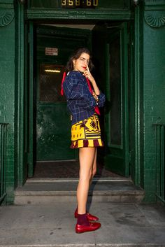 Leandra presents: How to wear loafers with going out clothes. It's a true skill: how to style loafers with going-out clothes. Casual Street Style, Street Style Looks, Street Style Women, How To Wear Loafers, Loafers For Women, Fashion Looks, Fashion Tips, Fashion Trends, Fashion Fashion