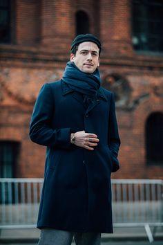 Street look homme à la Fashion Week automne-hiver 2017-2018 à Paris