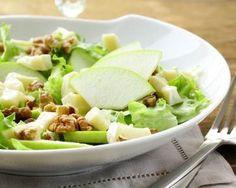 Salade aux pommes, noix et comté