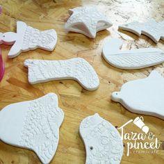 En Taza&Pincel puedes pintar un set de 8 piezas para tu árbol de Navidad
