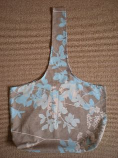 Vintage pillowcase to green shopping bag- so easy and way cuter then the ones at the store!