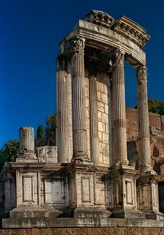 A color photograph of the Temple of Vesta in the Roman Forum, taken in Rome by David Henry. Architecture Romane, Rome Architecture, Ancient Greek Architecture, Architecture Design, Ancient Ruins, Ancient Rome, Mayan Ruins, Temple Ruins, Roman Columns