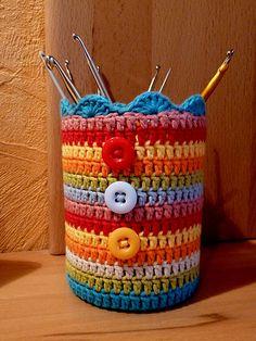Crochet basket and wicker models for craftsmen Crochet Decoration, Crochet Home Decor, Crochet Crafts, Crochet Projects, Crochet Box, Crochet Doilies, Crochet Flowers, Crochet Hooks, Crochet Case