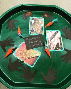 """Continuing with our Divali celebrations with this tuff tray activity. I used piping cones filled with paint for the children to make henna…"""""""