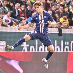 Adil Aouchiche has just become the second-youngest goalscorer in Paris Saint-Germain's history. 17 years and 174 days old. French Soccer Players, Neymar Psg, News Highlights, Paris Saint, Bella, Basketball Court, Two By Two, Football, History