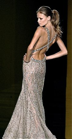If I had this dress, I would wear it every day.