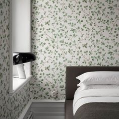 Green wallpaper for a cosy bedroom Scenic Wallpaper, Wallpaper Size, Green Wallpaper, Striped Wallpaper, Bedroom Wallpaper, Botanical Wallpaper, Scandinavian Wallpaper, Cosy Bedroom, Bedroom Brown
