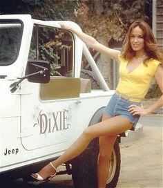 Haha cool I call my jeep whistling Dixie - Kino & TV - Trucks And Girls, Car Girls, Dukes Of Hazard, Catherine Bach, Badass Jeep, Girly Car, Porsche, Daisy Dukes, Us Cars