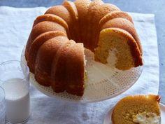 It's a Twinkie Cake!