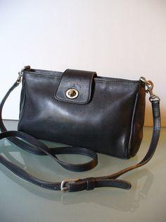 115 Best Fabulous Coach designs and vintage purses..good design is ... 77c01cf0f48f0