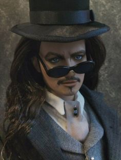 About GARY OLDMAN: BRAM STOKERS DRAC REPAINT BY ANNIE