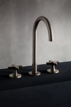 Icona Tapware by Fantini - Bathroom NZ | Icona, designed by Vincent Van Duysen for Fantini is a timeless collection, with attention devoted to ergonomics and endowed with a certain sensuality. Functionality, durability and comfort have been the priorities of the project, expressed with a calm aesthetic quality that follows neither trends nor fashions. It is a reinterpretation of the classic tap, with a subtle and refined interplay of proportions. #tapwarenz #bathroomtapware #luxurybathrooms Bathroom Tapware, Vincent Van Duysen, Best Faucet, Wall Mount Faucet, Sink Mixer Taps, Metal Tools, Style Tile, Knobs And Pulls, British Style