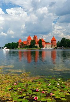Trakai Island Castle, Lithuania | 14 of the Most Amazing Fairy Tales Castles you should See in a Lifetime