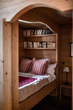 〚 Chalet Enora is perhaps the coziest alpine home 〛 ◾ Photos ◾Ideas◾ Design Alcove Bed, Bed Nook, Small Room Bedroom, Bedroom Decor, Sleeping Nook, Tiny House Cabin, Cabin Interiors, Cozy Place, Aesthetic Rooms