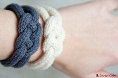 French knitted wool bracelet using lamb's por LaMauvaiseGraine