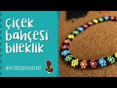 Flower garden – Famous Last Words Macrame Tutorial, Bracelet Tutorial, Beaded Rings, Beaded Jewelry, Presents For Women, Turkish Jewelry, Peyote Beading, Macrame Projects, Woven Bracelets