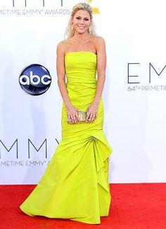 Julie Bowen's Best Red Carpet Looks - Us Weekly Julie Bowen Modern Family, Emmys Best Dressed, Beautiful Dresses, Nice Dresses, Gorgeous Dress, Monique Lhuillier Dresses, The Emmys, Red Carpet Looks, Red Carpet Fashion