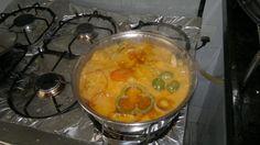 Aprenda a preparar a receita de Peixe ao molho de camarão e leite de coco