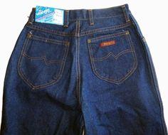 Damen Vintage Denim Wrangler-Jeans in Größe 10. Hohe Taille Maßnahmen 25, Hüfte 38 und Beinlänge 34. Ganz neu mit allen Tags angefügt. Hergestellt aus einer 100 % Baumwolle Jeans mit hoher Taille und gerades Bein. Siehe alle Bilder Beschreibung.