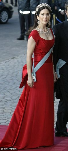 Crown Princess Mary of Denmark wore a gorgeous red gown for a pre-wedding gala in 2004. Daily Mail August 17, 2015.