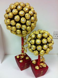 Tree of 48 Pcs Ferrero Rocher Chocolates. Tree of 24 Pcs Ferrero Rocher Chocolates. Chocolate Tree, Chocolate Bouquet, Chocolate Gifts, Birthday Candy, Birthday Gifts, Ferrero Rocher Bouquet, Edible Bouquets, Sweet Trees, Candy Bouquet