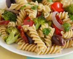 Pasta with Roasted Vegetables and Olives - http://meatlessmeal.com/pasta-with-roasted-vegetables-and-olives/