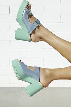 Miista Rachel Platform Sandal (http://www.nastygal.com/shoes-foot-fetish/miista-rachel-platform-sandal-)