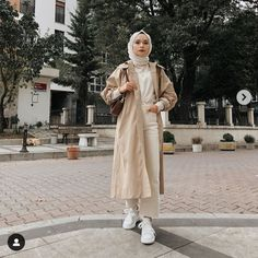 Image in Admin's images album Muslim Fashion, Modest Fashion, Hijab Fashion, Fashion Outfits, Womens Fashion, Muslim Girls, Muslim Women, Casual Hijab Outfit, Casual Outfits