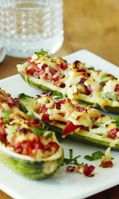 Täytetyt kesäkurpitsat x 2 | Meillä kotona My Cookbook, Fodmap, Zucchini, Food And Drink, Baking, Vegetables, Recipes, Drinks, Kitchens