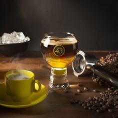 Find out how to prepare Carajillo 43 cocktail with Licor Surprise on any occasion thanks to Licor 43 Tonga, Vanuatu, Haiti, Honduras, Sangria, Ghana, Coffee Ice Cubes, Most Popular Drinks, Top Secret Recipes