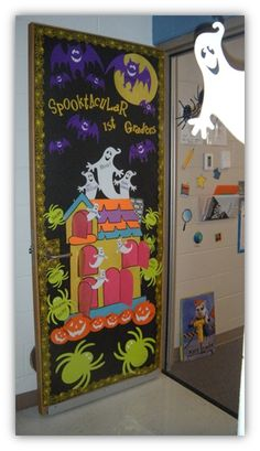 Maternelle on pinterest petite section cursive and cuisine for Decoration porte classe halloween