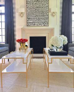 Living Room Design by Lori Paranjape #chicagotohinsdale #goldcoffeetable #livingroomlayout #modernfurniture #glamlivingroom #modernart