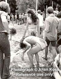 Woodstock 1969 Girls | Woodstock, Women in mud, 1969