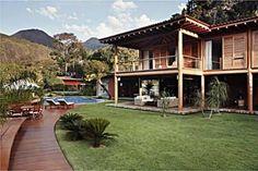 Casa de madeira de dois andares (Foto: Casa Abril)