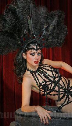 New Reno Showgirl Burlesque Outfit, Burlesque Show, Burlesque Costumes, Showgirl Costume, Vegas Showgirl, Satine Moulin Rouge, Samba, Burlesque Vintage, Folies Bergeres