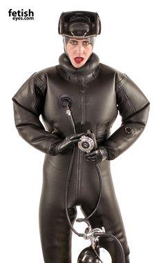 Risultati immagini per fetish rubber wetsuit Rubber Catsuit, Rubber Dress, Latex Suit, Scuba Girl, Diving Suit, Womens Wetsuit, Heavy Rubber, Latex Girls, Black Suits